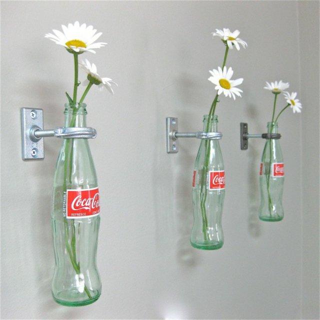 marquerite vase coca cola